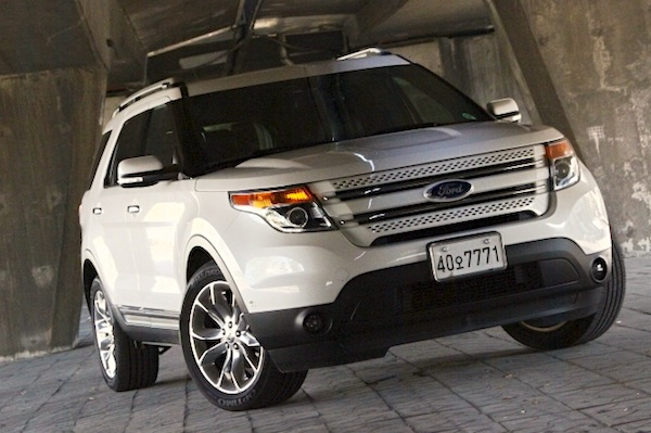 Ford Explorer South Korea October 2014. Picture courtesy of analogstyle.co.kr
