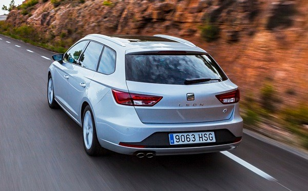 Seat Leon Spain 2014. Picture courtesy automobile-magazine.fr