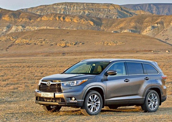 Toyota Highlander Russia 2014. Picture courtesy zr.ru