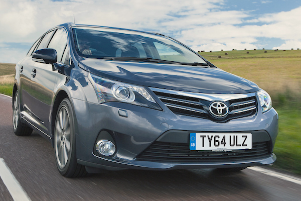 Toyota Avensis Finland February 2015