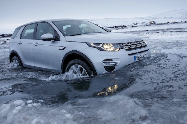 Land Rover Discovery Sport Italy February 2015