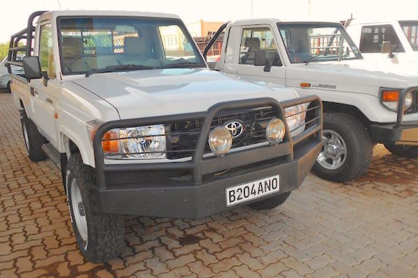 Toyota Land Cruiser PU Botswana 2014. Picture courtesy autoguide.co.bw