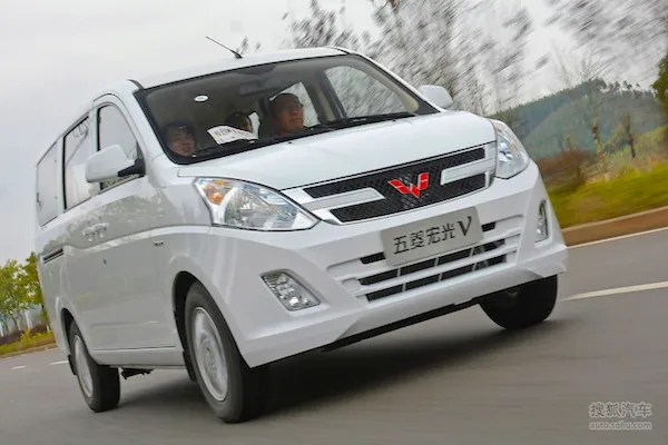 Wuling Hongguang V China May 2016. Picture courtesy auto.sohu.com
