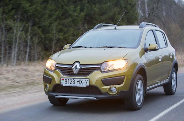 Renault Sandero Belarus June 2015. Picture courtesy auto.onliner.by