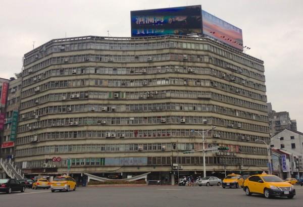 3. Taipei street scene 2