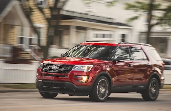 Ford Explorer Canada November 2015. Picture courtesy caranddriver.com