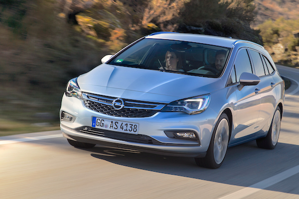 Opel Astra Finland February 2016