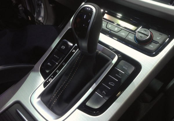 Geely Boyue interior Pic4