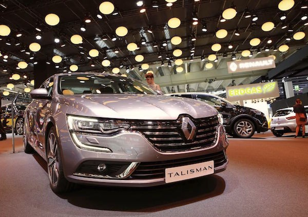 Renault Talisman France April 2016. Picture courtesy largus.fr