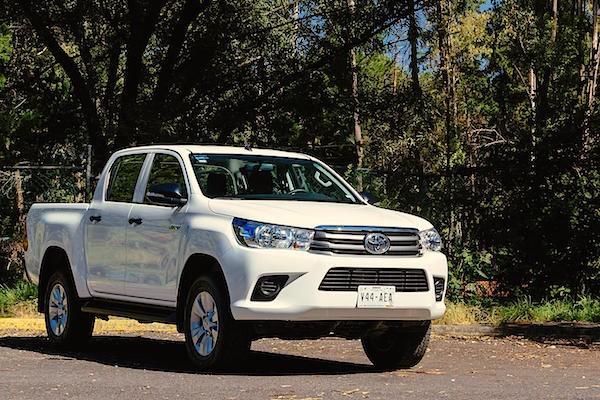 Toyota Hilux Argentina June 2016. Picture courtesy autocosmos.com.mx