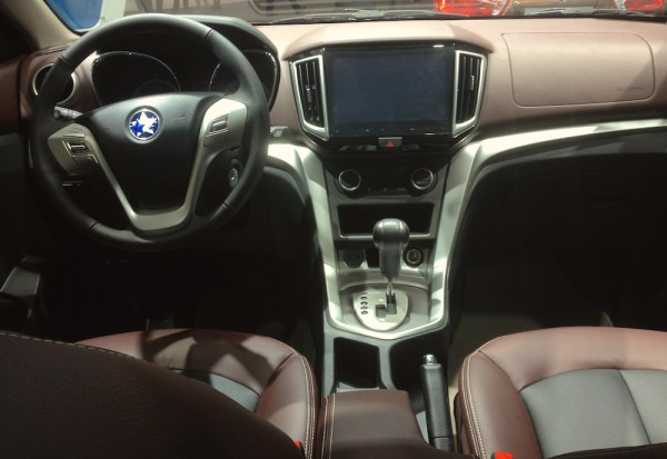 Venucia T70X interior