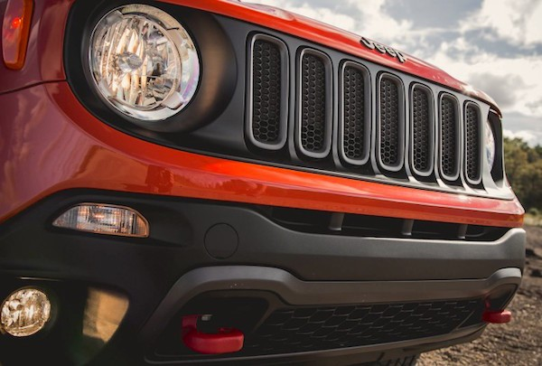 Jeep Renegade USA May 2016. Picture courtesy caranddriver.com
