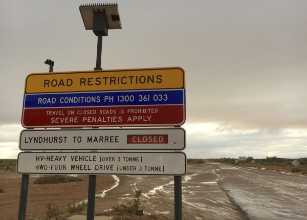 Lyndhurst Marree closed sign