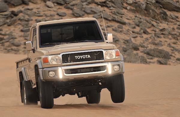 Toyota Land Cruiser Pickup Oman April 2016