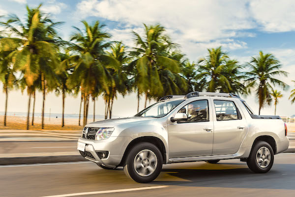 Renault Duster Oroch Argentina October 2016