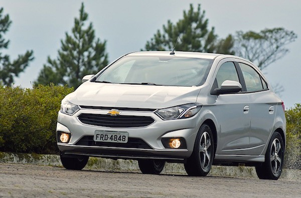 chevrolet-onix-brazil-2016-picture-courtesy-carros-uol-com-br