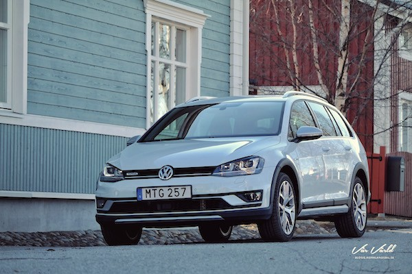 VW Golf Alltrack Sweden November 2016. Picture courtesy mullersvarld.se