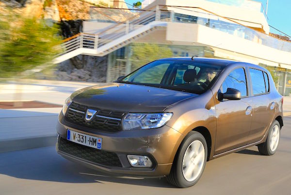 dacia-sandero-france-2016-picture-courtesy-largus-fr