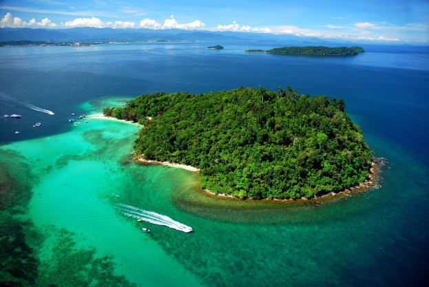 Top 10 Largest Islands In The World