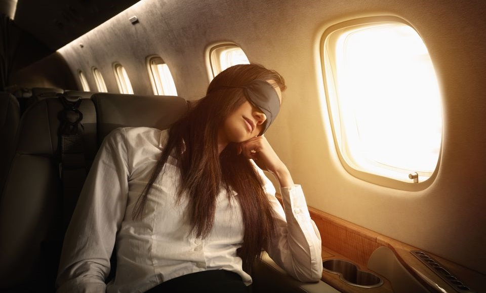4 Tips to Relieve Jet Lag for Better Sleep When Travelling
