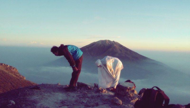 bersyukur sampai puncak gunung