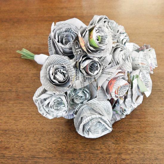 kerajinan dari barang bekas berupa mawar dari koran bekas