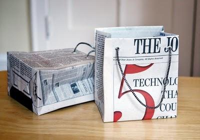 tas dari koran bekas
