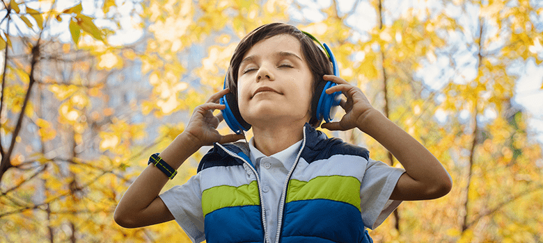 15 Best Headphones For Kids Of 2020 Safe Noise Cancelling Headphones For Toddlers With Autistic Child