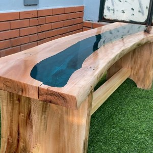 Impressive Woodworking Ideas You Should Try // DIY Outdoor Bench Plans You Can Build Using Wood