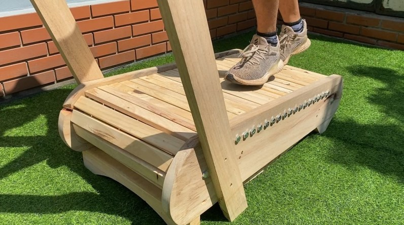 How To Build Your Own Treadmill At Home // The Smartest Woodworking Idea In The World
