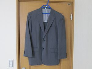 0f820fd8642fe 結婚式二次会での男性スーツの着こなし!ネクタイとポケットチーフは?