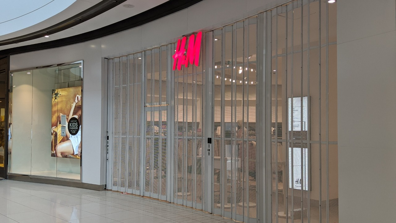 rideau centre h m to reopen saturday