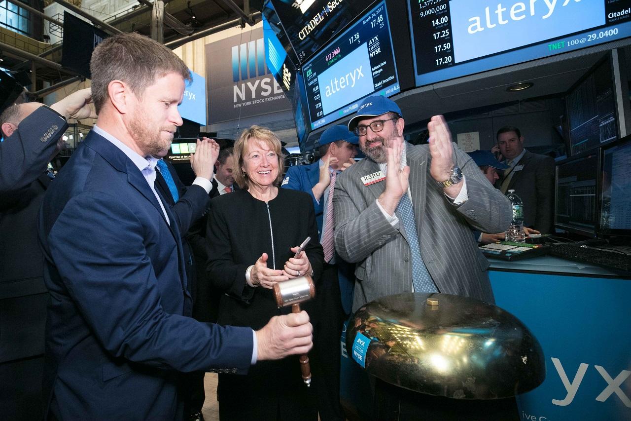 Top Momentum Stocks