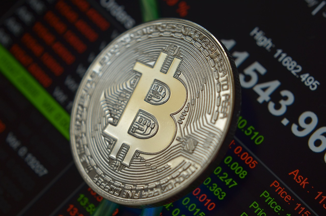 Bitcoin Approaches Upside Target