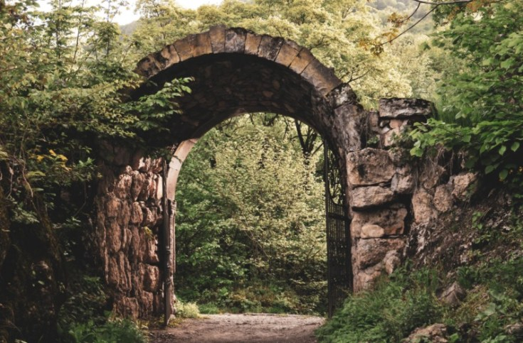 This image has an empty alt attribute; its file name is the-garden-gate-is-open.jpg