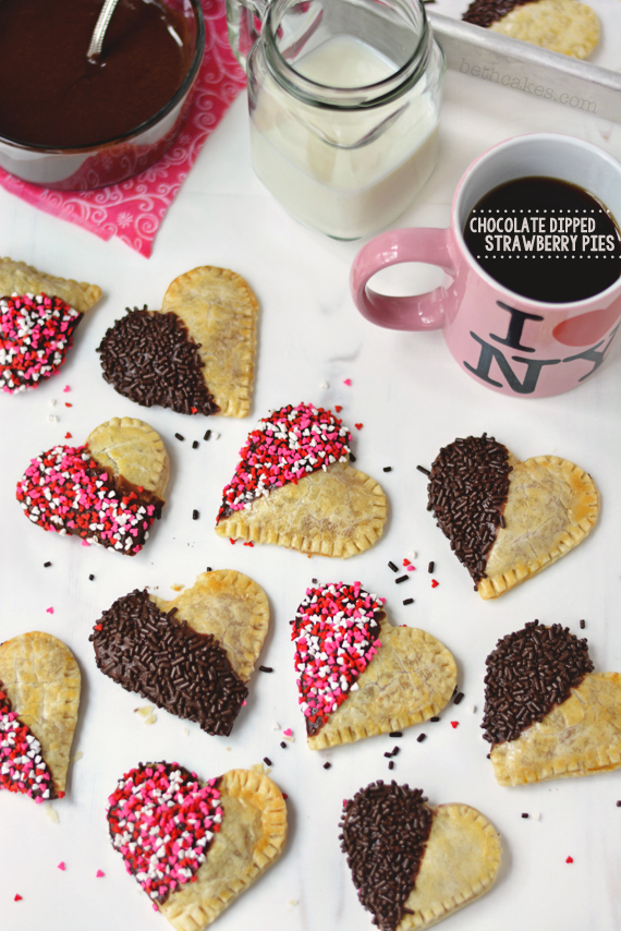 Chocolate Dipped Strawberry Pies. Fun and quick Valentine's treats! - bethcakes.com