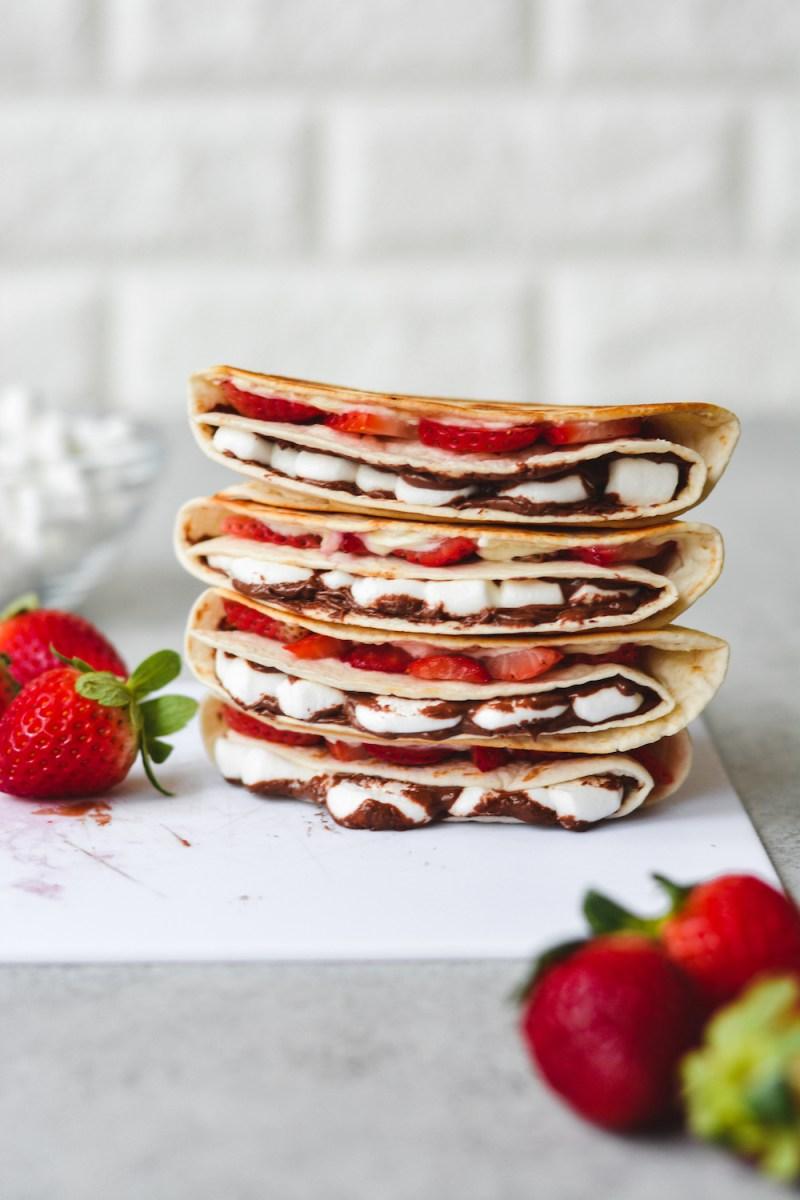strawberry dessert wraps - bethcakes.com