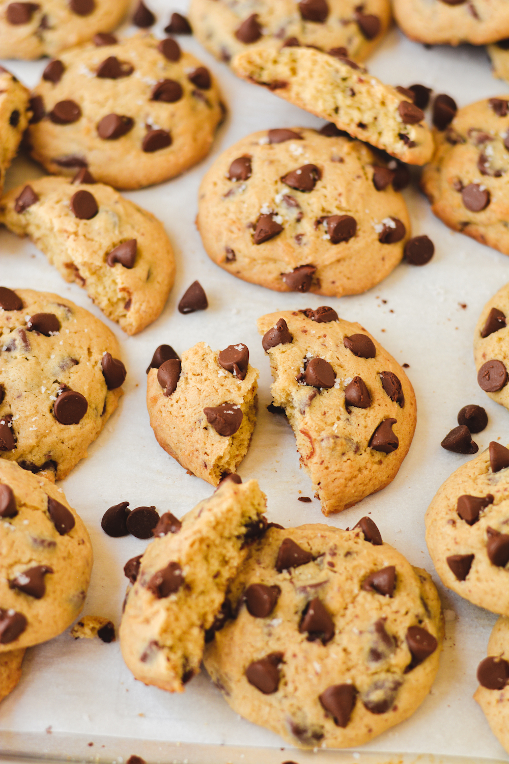 salted maple chocolate chip cookies - bethcakes.com