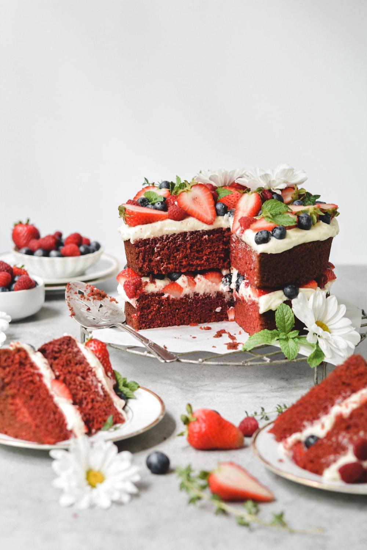 red velvet berries & cream cake