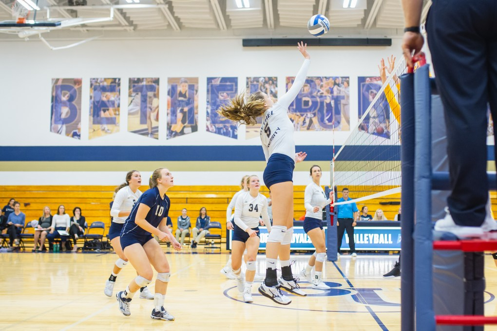 090418_volleyball_holmberg1