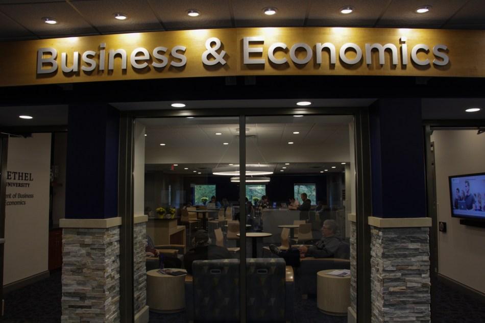 100818_O'Neil_Business&Econ (4)