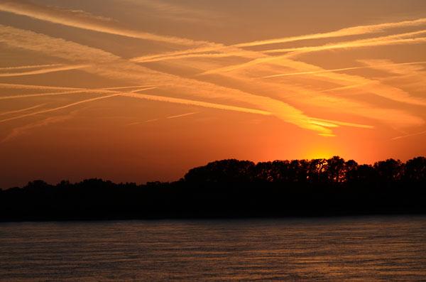 Mississippi River Sunset in Memphis