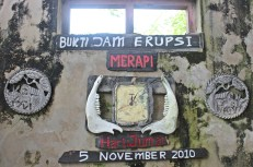 The clock damaged when the day of eruptions, Friday at 00.05, November 5, 2010