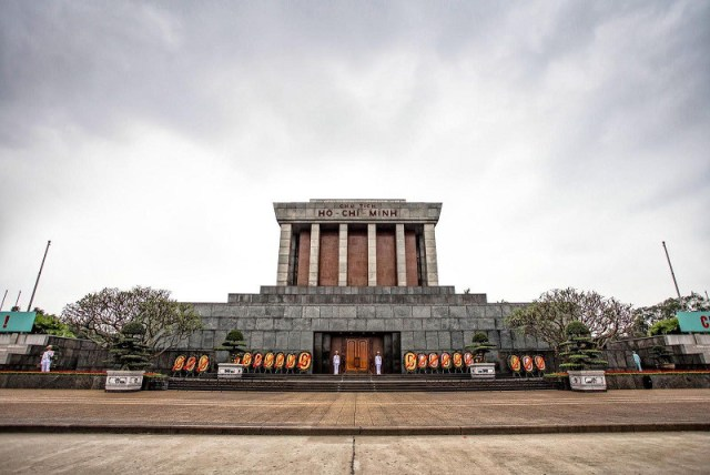 ホーチミン廟:首都の建築及び文化的空間の典型的なところ2