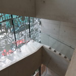 Lärarnas hus – Smyckeskrinet. Trappan löper längs glasfasaden. Foto: Sussie Schwab