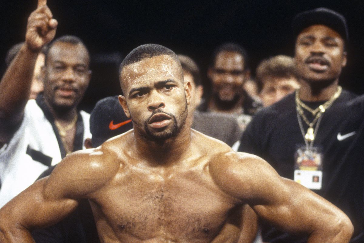 Roy Jones says Logan Paul has no chance at all to beat Floyd. Video