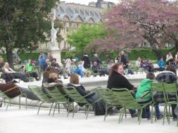 Relaxing in the Jarden des Tuileries.