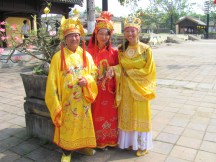 Women dressed for the occassion