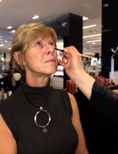 makeup session concealer touch up