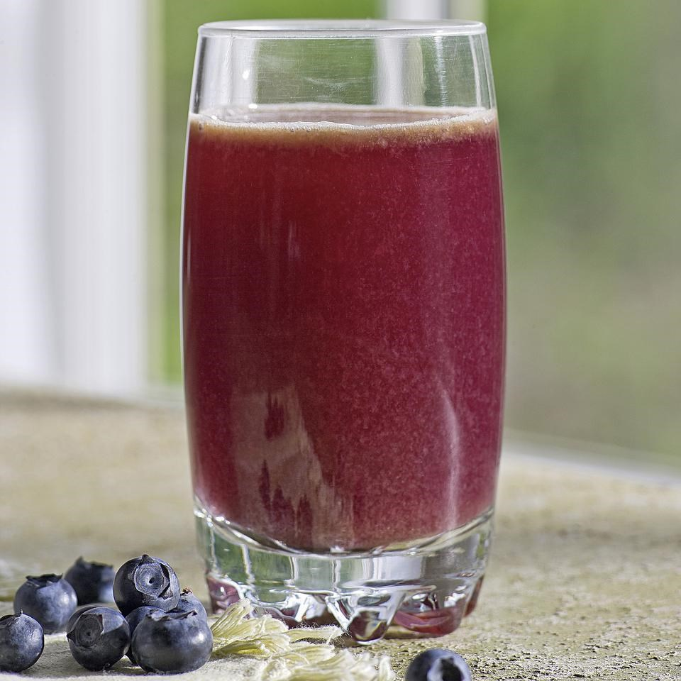 Blueberry-Cabbage Power Juice
